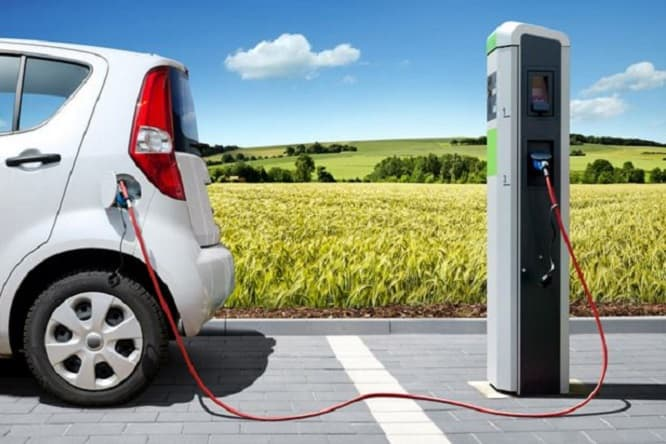 ricarica-auto-elettrica